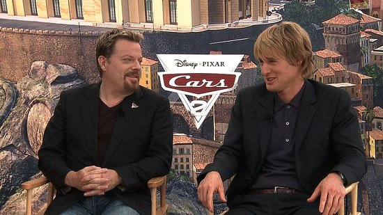 Video: Owen Wilson Talks Cars Reunion and Eddie Izzard Shares His Thoughts on England's Monarchy