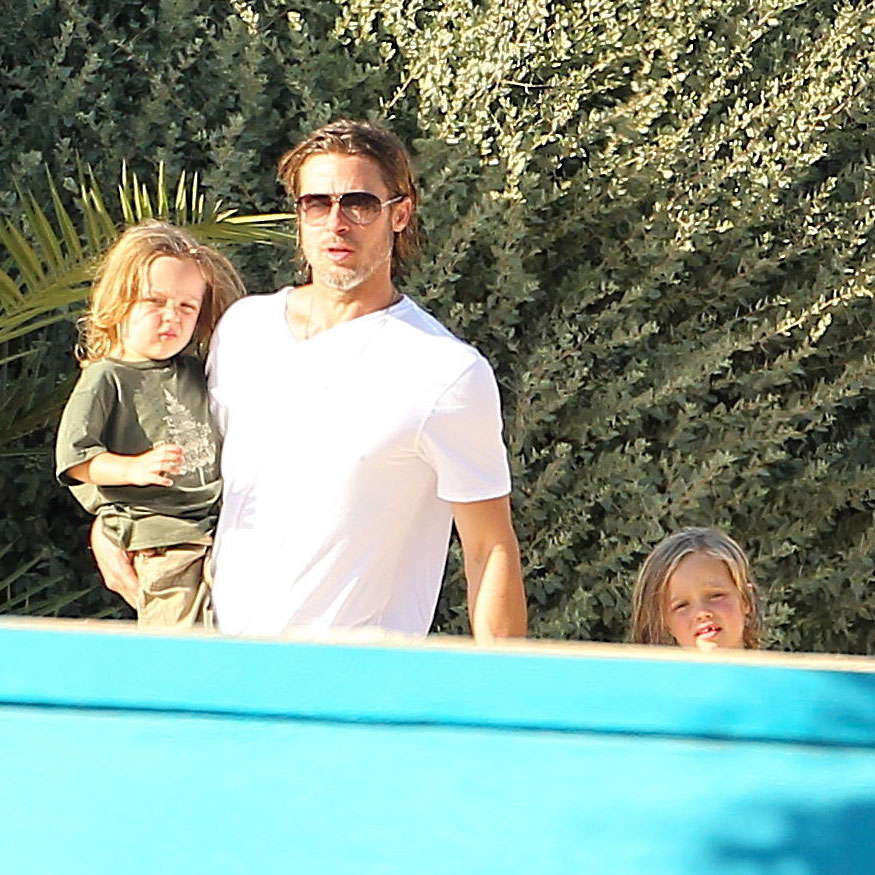 Brad Pitt walked with Knox and Vivienne in Malta.