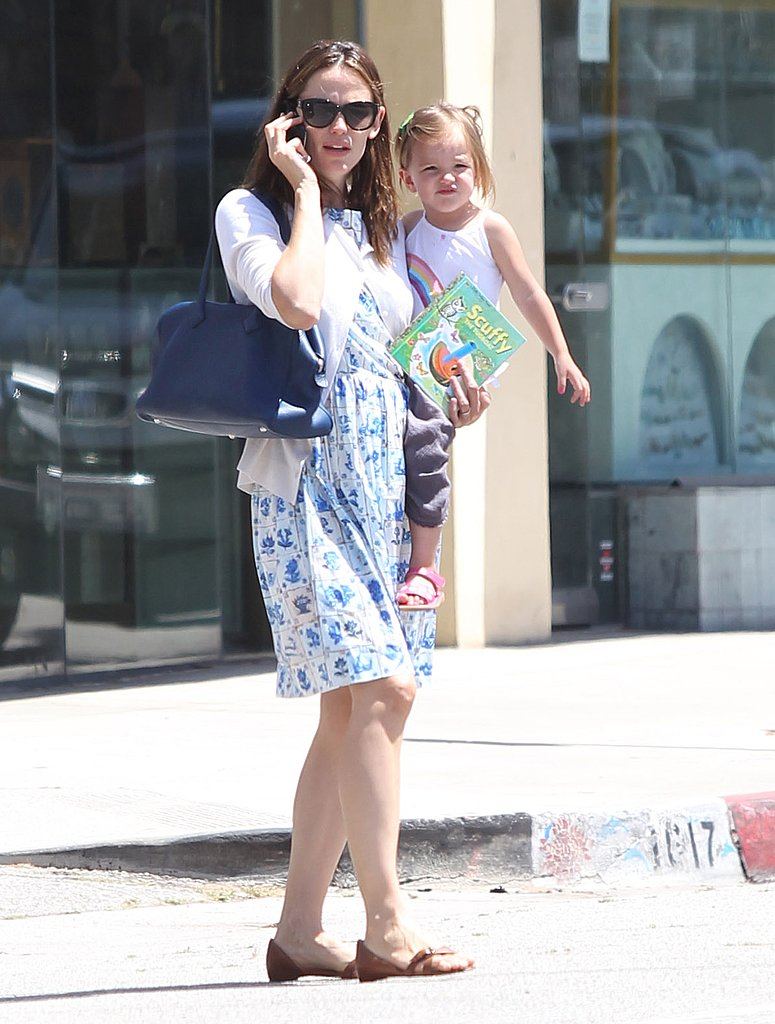 Jennifer Garner and Seraphina Affleck cozied up during their day out.
