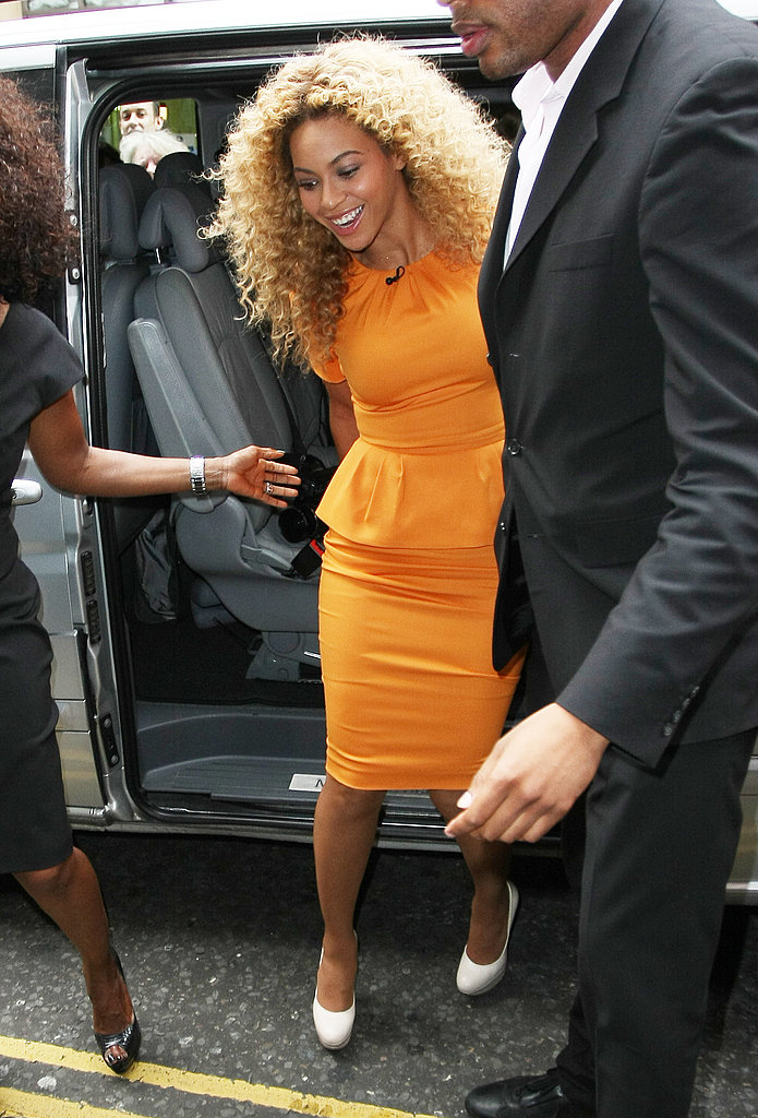 Beyoncé Knowles stepped out at Harrod's to meet Piers Morgan.