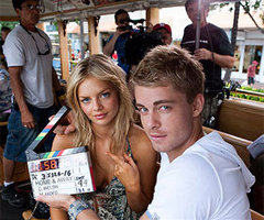 Video of Luke Mitchell, Samara Weaving, Georgie Parker Filming Home and Away in Hawaii
