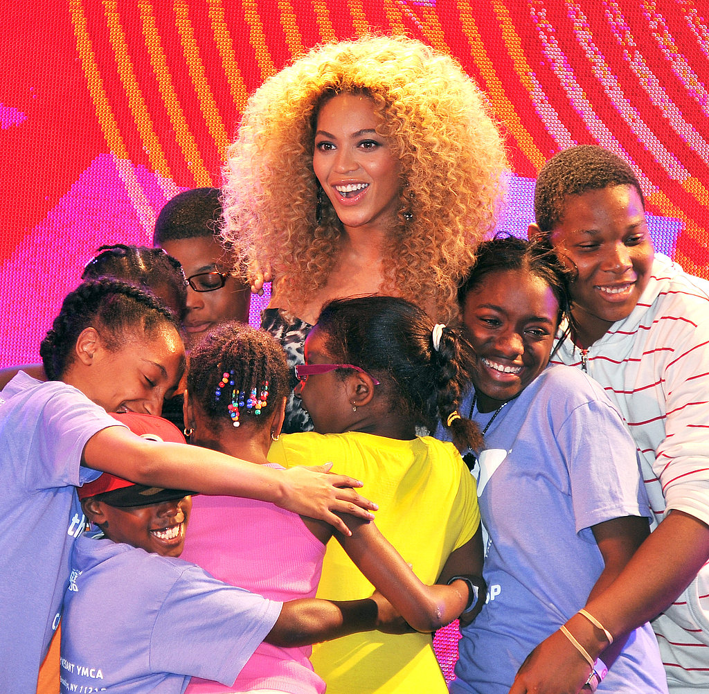 Beyoncé Knowles was surrounded by fans at the East Harlem Target.