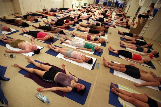 Bikram Yoga Seacliff: 26 Poses in Healing Heat
