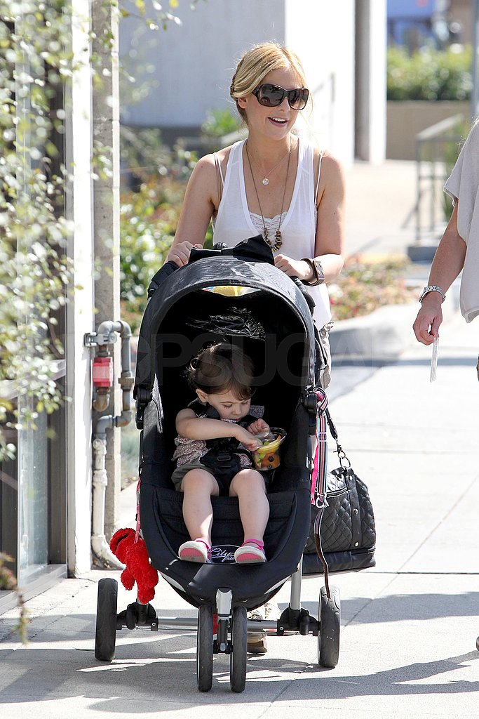 Sarah Michelle Gellar pushed Charlotte Prinze in her stroller.