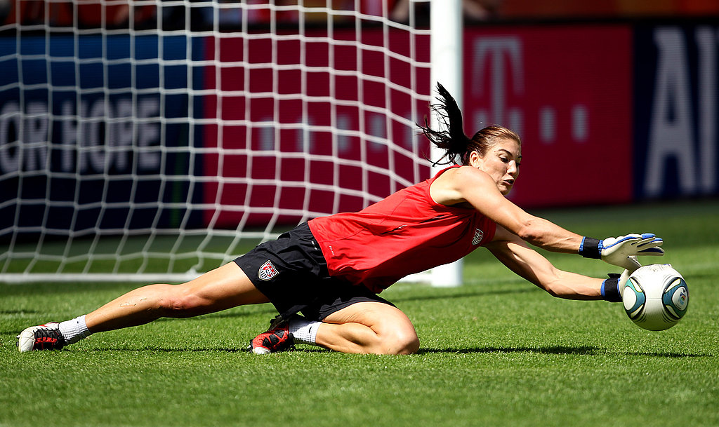 Hope looks hot training at the World Cup.