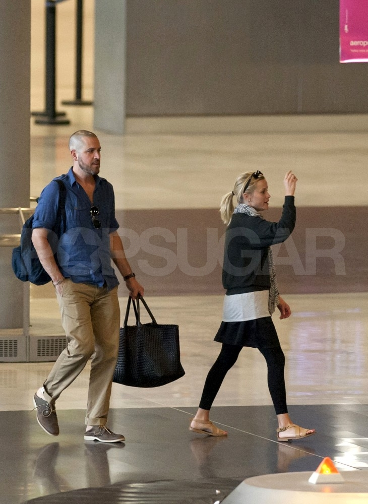 Reese Witherspoon and Jim Toth at the Paris airport.