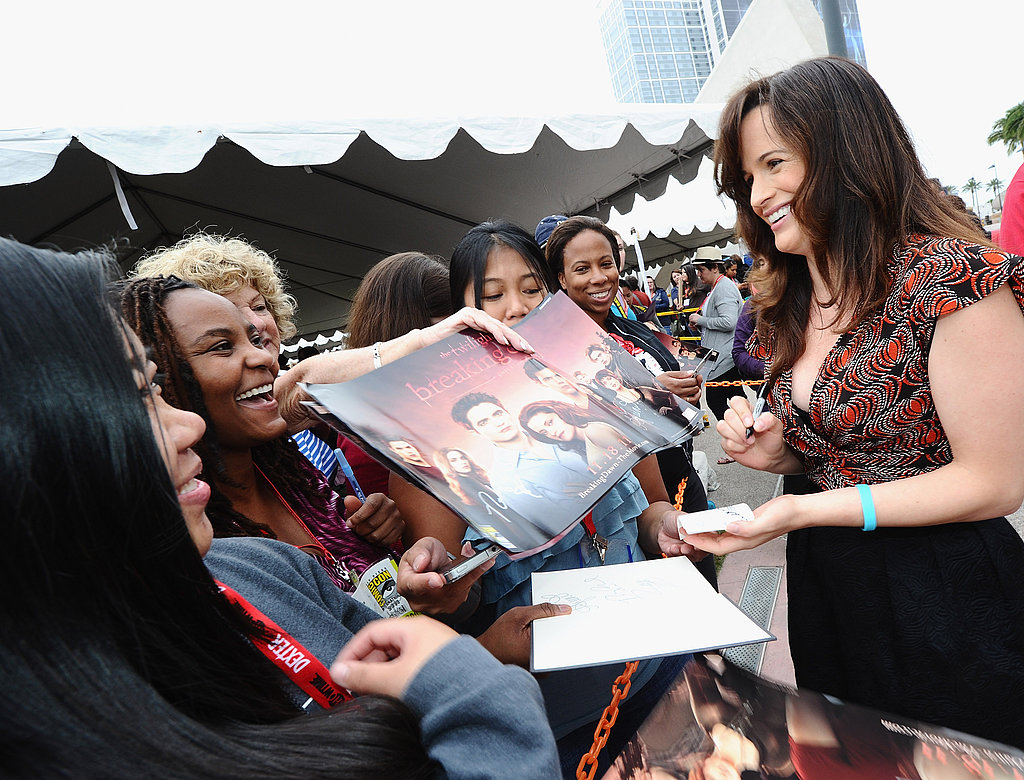 Elizabeth Reaser at Comic-Con.