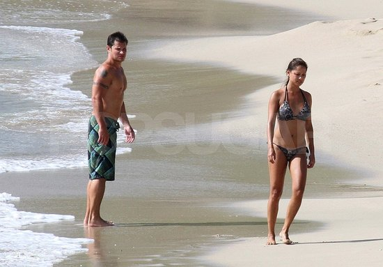 Nick Lachey and Vanessa Minnillo Honeymoon Pictures Previous Next
