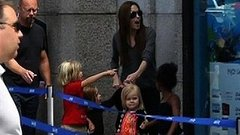 Video: Angelina Jolie Takes the Kids to the Aquarium