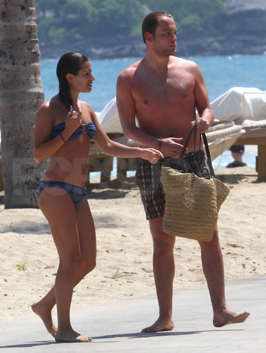 Lea Michele and Theo Stockman walked back to their Hawaiian hotel.