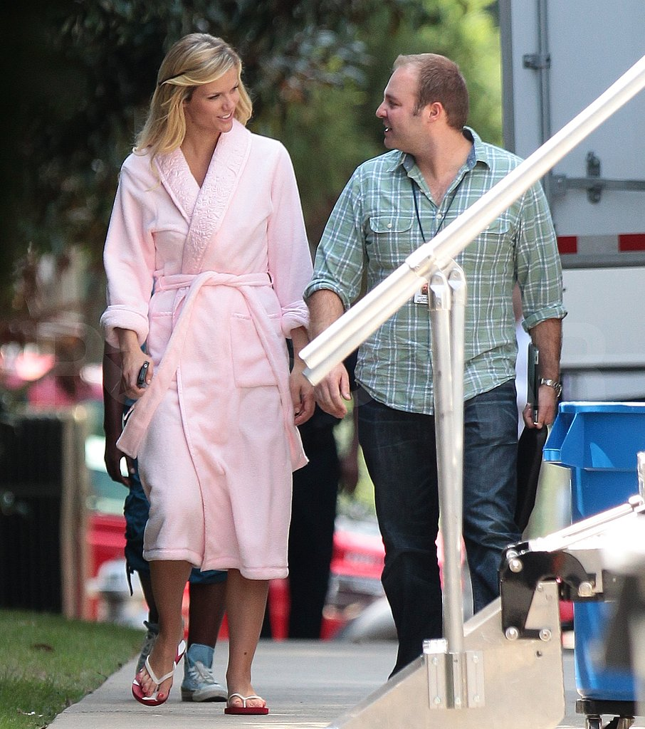 Brooklyn Decker went casual in flip-flops.