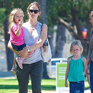 Jennifer Garner Pictures With Violet and Seraphina Affleck