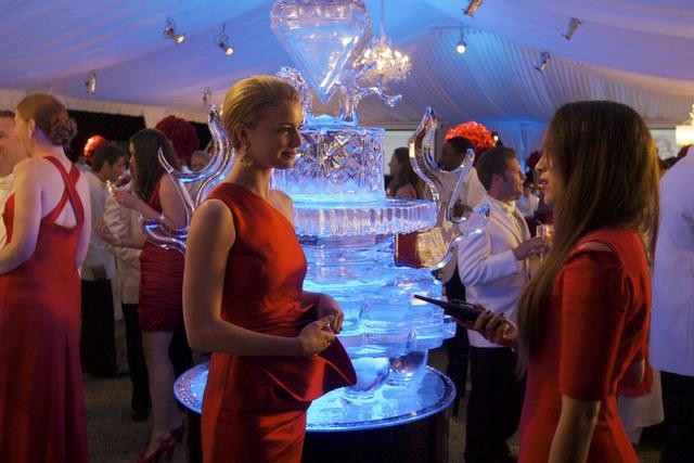Emily VanCamp and Ashley Madekwe in ABC's Revenge.  Photo copyright 2011 ABC, Inc.