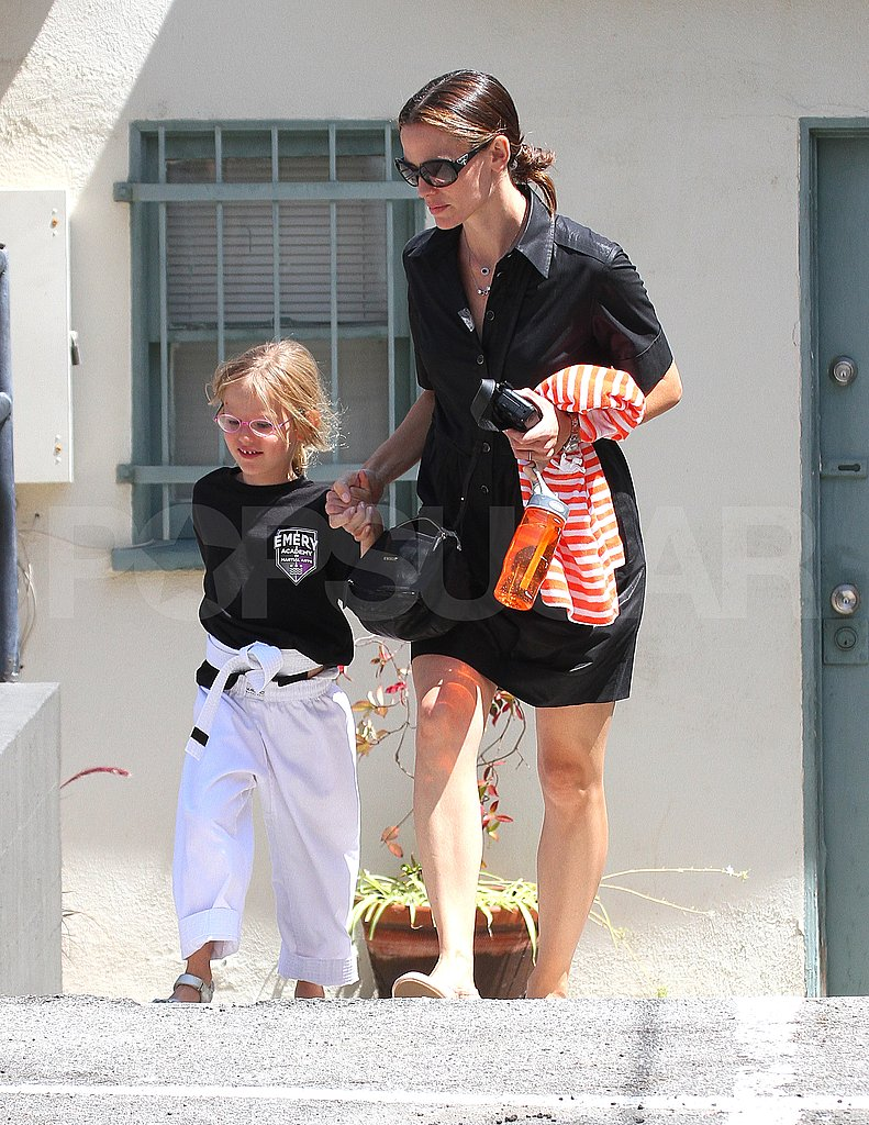 Jennifer Garner takes Violet Affleck to karate.
