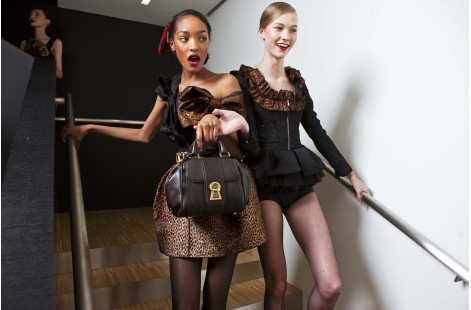 Jourdan and Karlie lent eachother a helping hand as they made their way down the stairs. Source: Greg Kessler