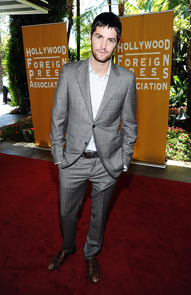 Jim Sturgess arrived sans tie.