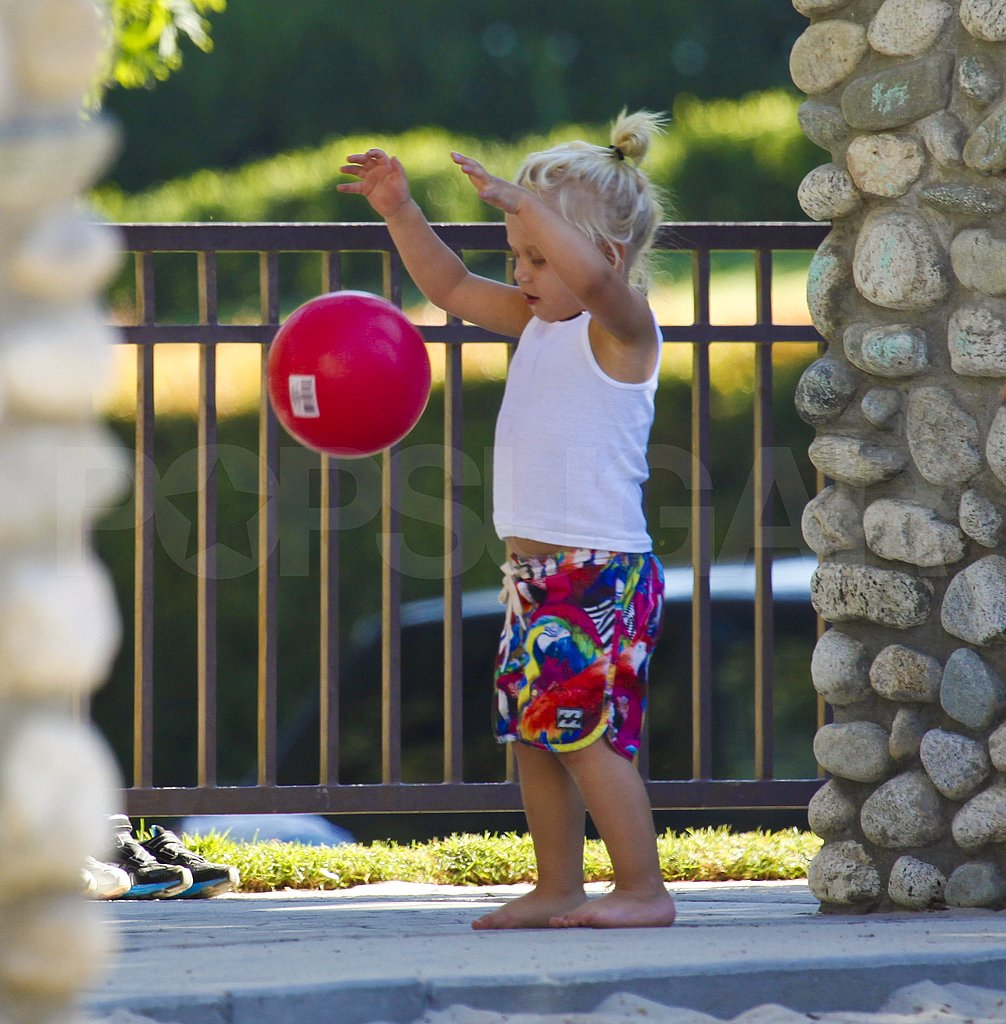Zuma Rossdale bounced a bright, red ball.