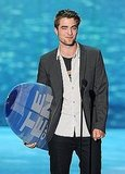 &quot;Twilight&quot; Cast Takes Home 5 Surf Boards From 2011 TCA - Masterpost