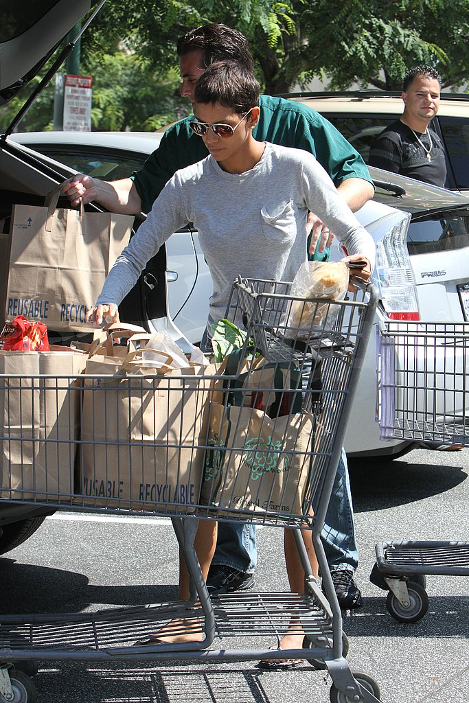 Halle Berry Nabs a Number One Bikini Bracket Spot — and Her Groceries!