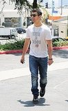 Joe Jonas out for lunch.