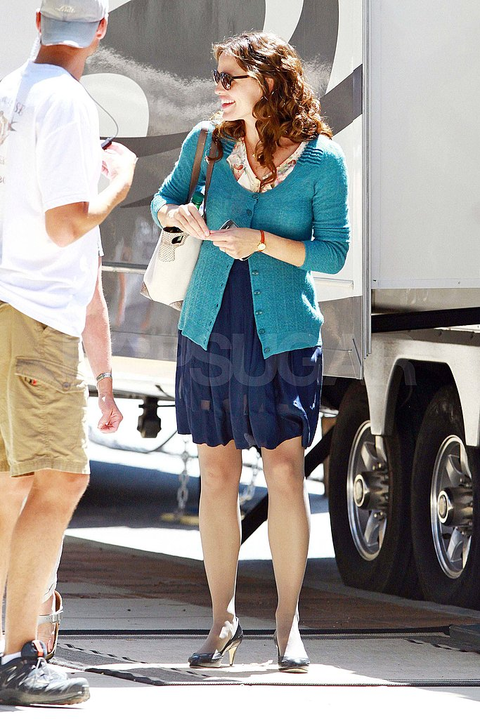 Jennifer Garner ready to shoot.