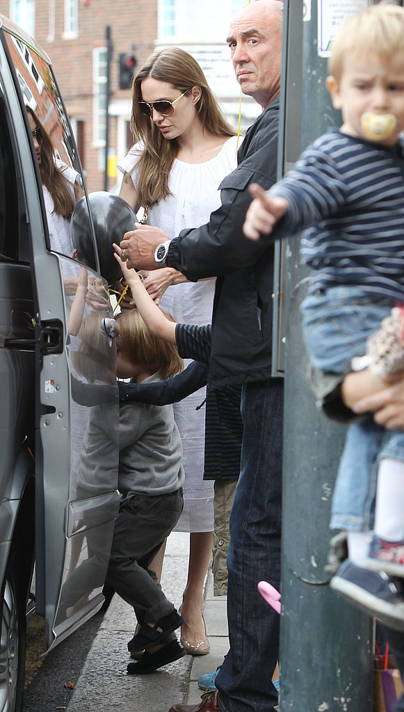 Angelina Jolie waited for her children to get into a car.