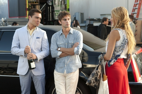 Chace Crawford as Nate Archibald, Blake Lively as Serena van der Woodsen, and Ed Westwick as Chuck Bass on Gossip Girl.  Photo courtesy of The CW