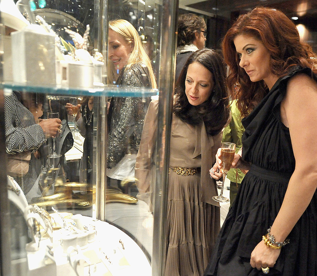 Debra Messing looked at jewelry.