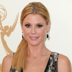 Julie Bowen Wins Emmy For Supporting Actress in a Comedy 2011