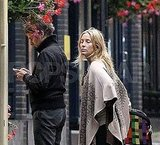 Kate Hudson and Matt Bellamy shop around London.