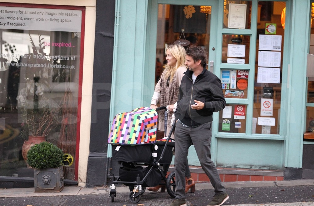 Kate Hudson and Matt Bellamy with son Bingham.