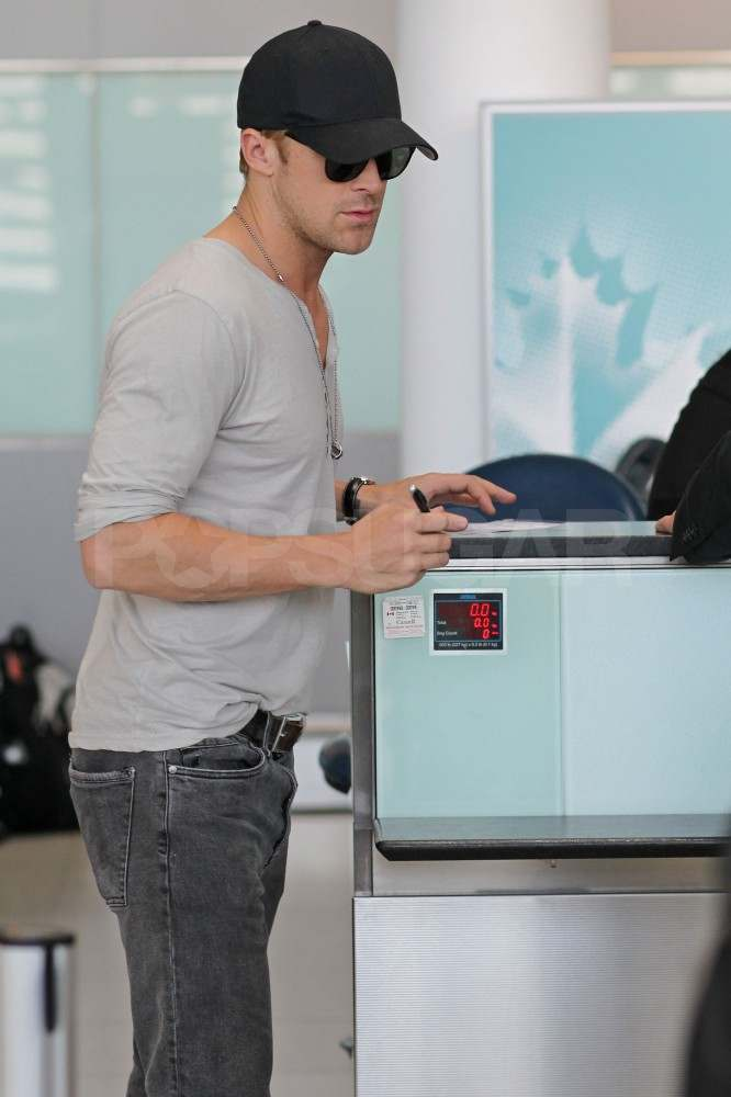 Ryan Gosling at the airport in Toronto.