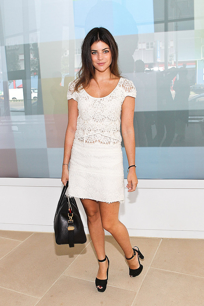 Julia Restoin-Roitfeld dressed up an LWD with black platform sandals.