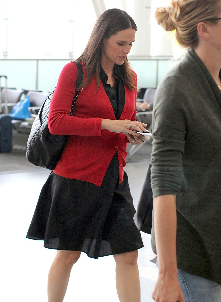 Jennifer Garner Is in Good Spirits to Fly the Friendly Skies