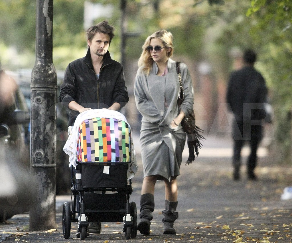 Kate Hudson and Matt Bellamy take their son to breakfast.