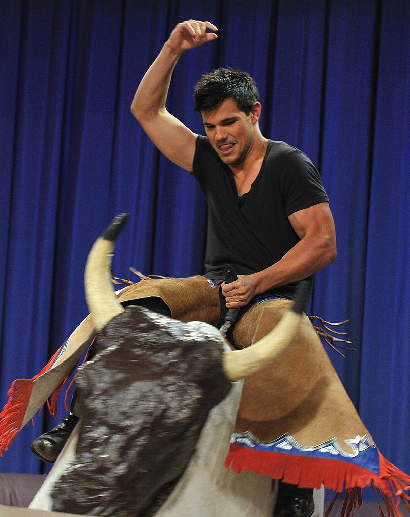 Jimmy Fallon Abducts Taylor Lautner For a Late-Night Rodeo