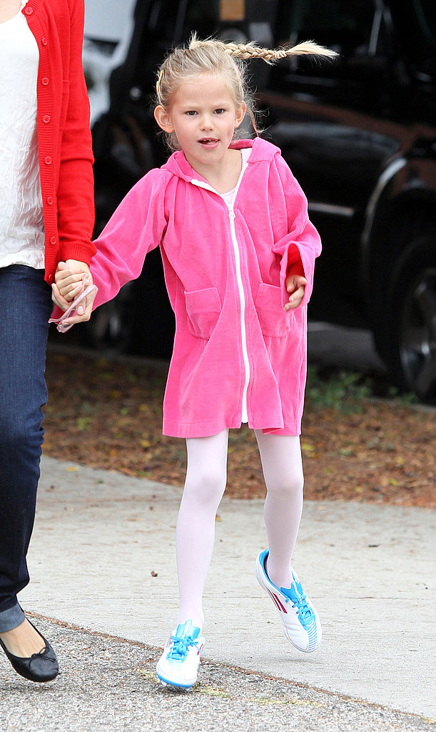 Violet Affleck wore her soccer cleats to ballet class.
