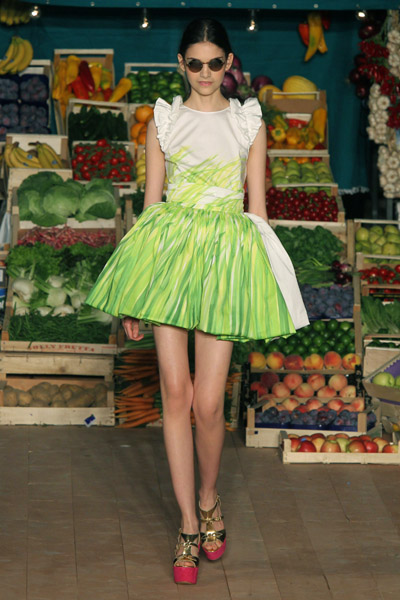 Moschino Cheap & Chic Spring 2012