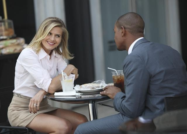 Eliza Coupe as Jane and Damon Wayans Jr. as Brad on Happy Endings.  Photo copyright 2011 ABC, Inc.