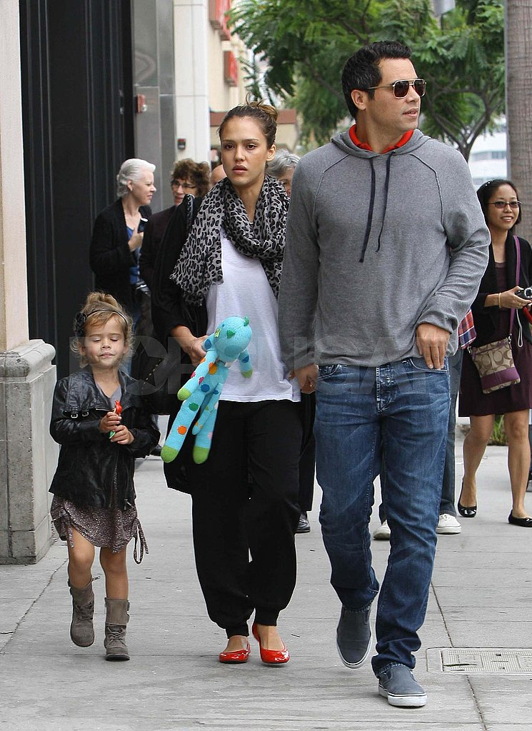 Jessica Alba and Cash Warren at breakfast with Honor in LA.