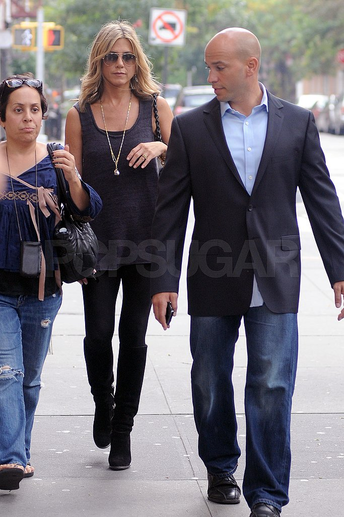 Jennifer Aniston arrived at Good Morning America bright and early today.