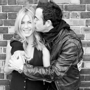 Jennifer Aniston and Justin Theroux Kissing Terry Richardson Pictures