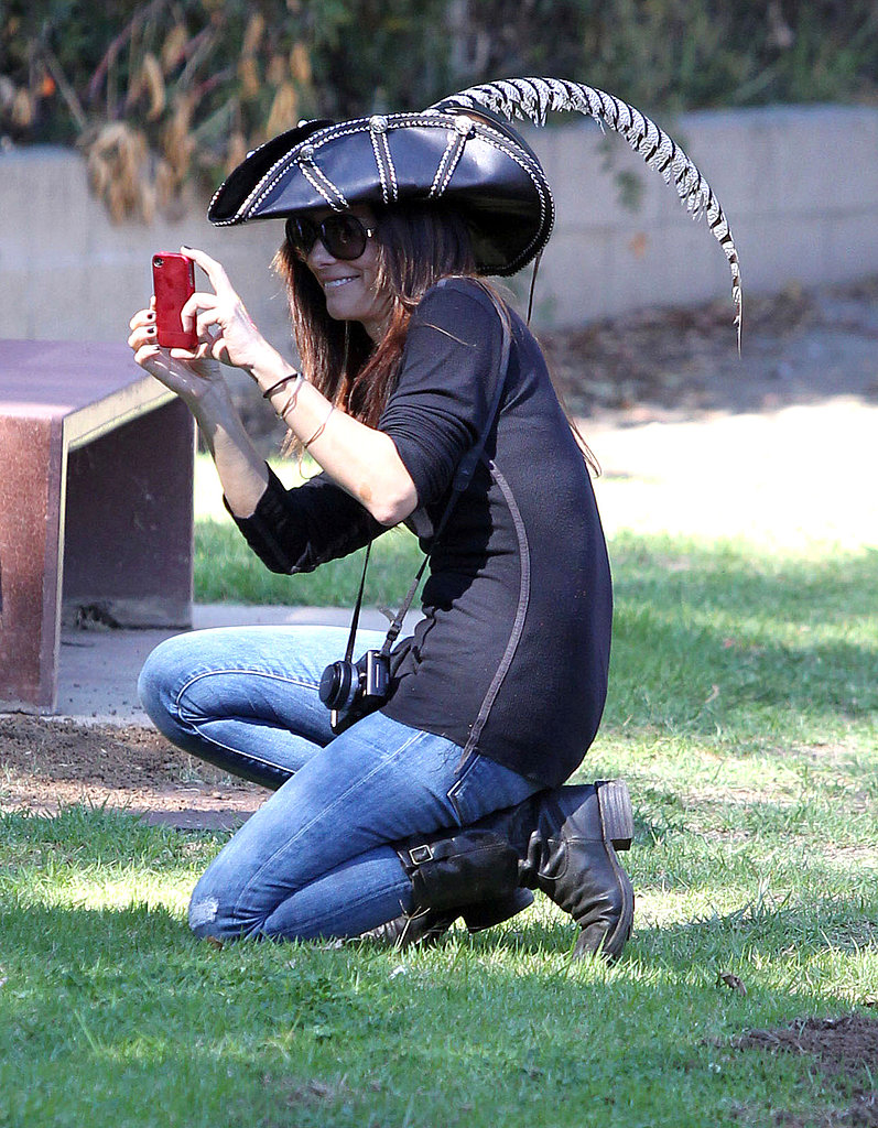 Sandra Bullock snapped pics of Louis while wearing a pirate hat.