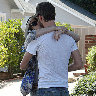 Anne Hathaway and Adam Shulman Kissing Pictures