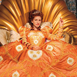 See Pics of Julia Roberts and Armie Hammer in Snow White
