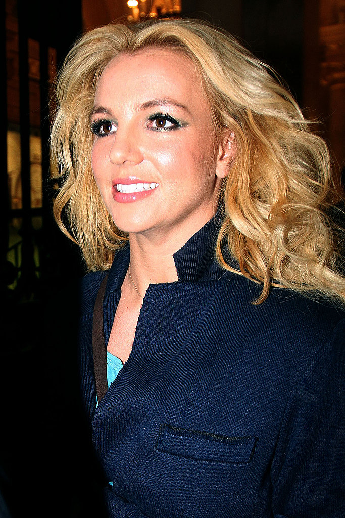 Britney Spears made her way to her concert in Paris with hair and makeup in place.