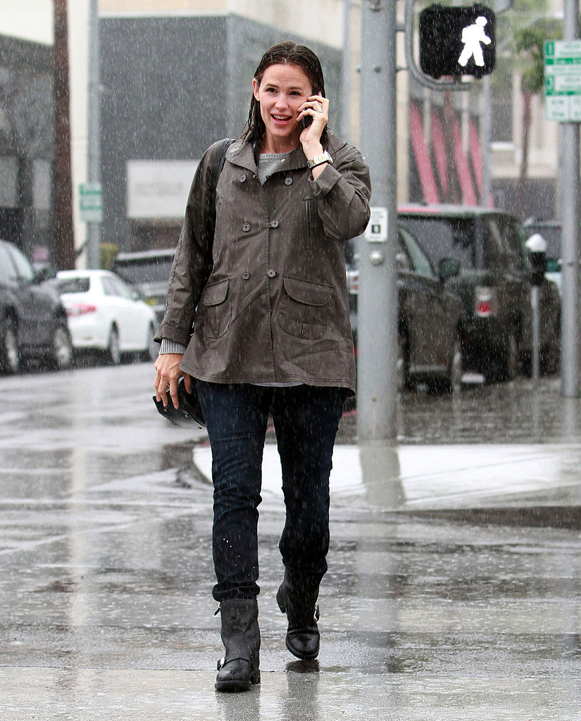 Jennifer Garner got caught in the rain after a lunch with friends.