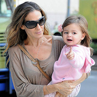 Sarah Jessica Parker With Her Twin Daughters in NYC Pictures