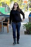 Jennifer Garner picked up food from an LA restaurant.