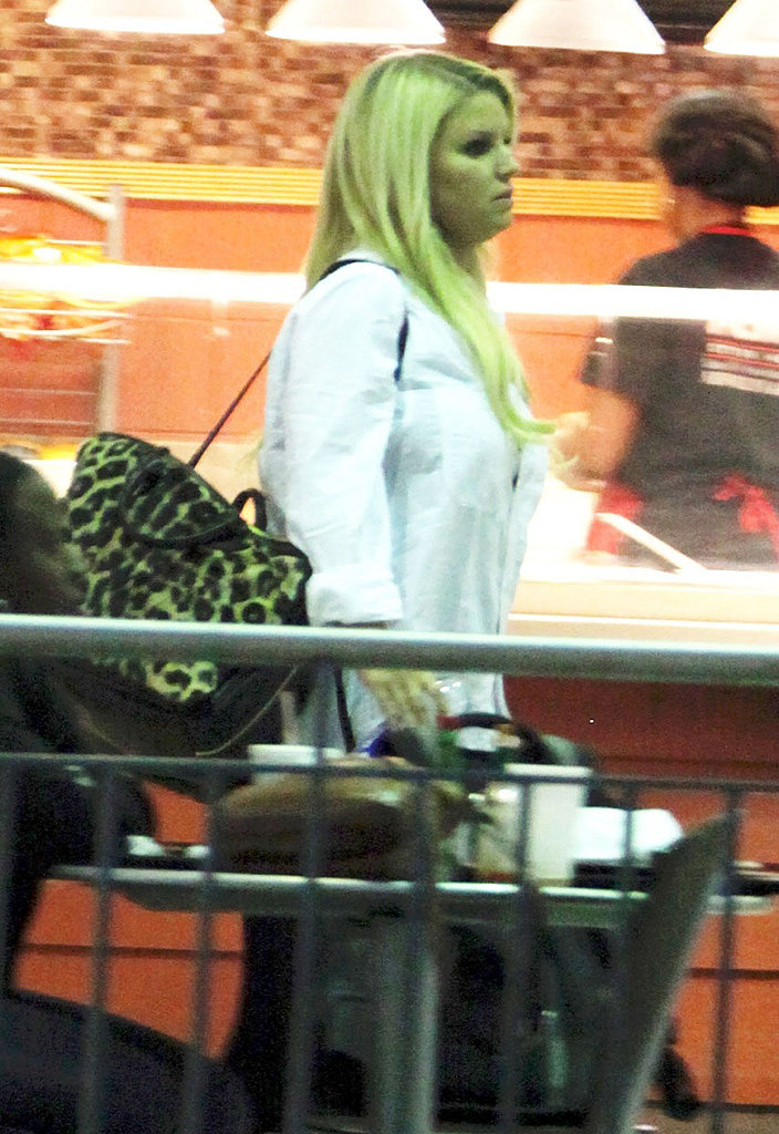Jessica Simpson caught a flight out of New Orleans on Saturday.